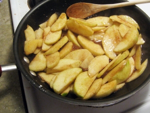 Apple Pie Filling or Dessert Topping Recipe by Man Fuel https://manfuel.wordpress.com