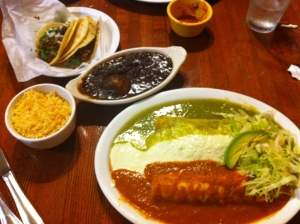 Tres Enchiladas at El Rancho Grande