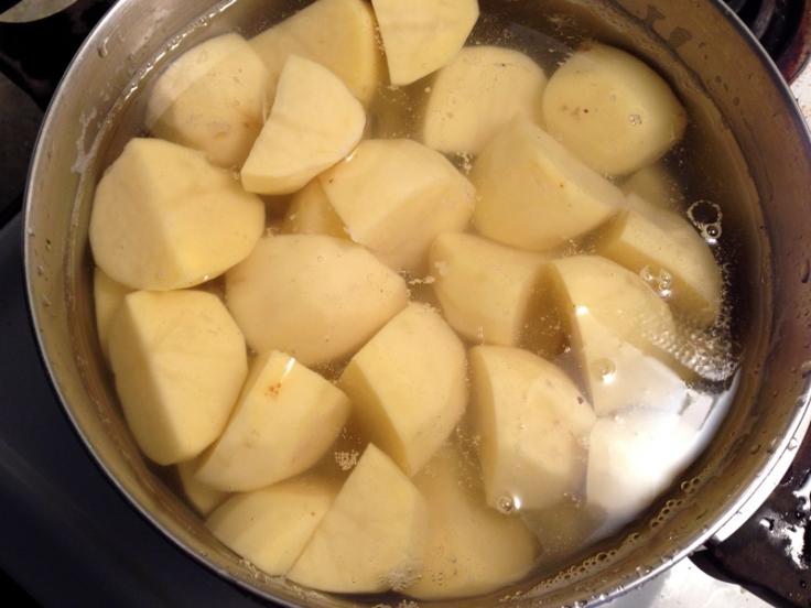 Boiling Potatoes to Make Mashed Potatoes