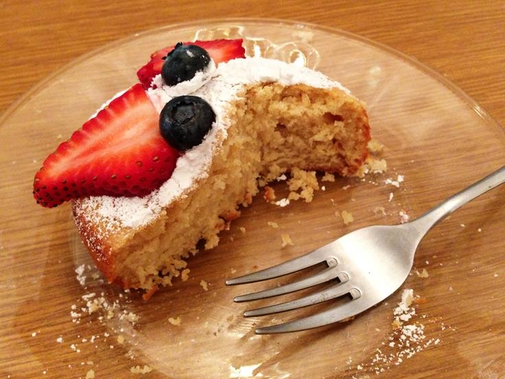 Mini Vanilla Cake Eaten by Man Fuel