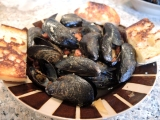 Steamed Mussels with Chourico