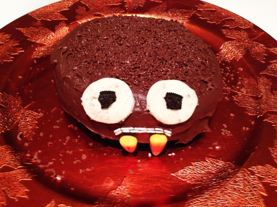 Chocolate Spider Cake - Adding Eyes
