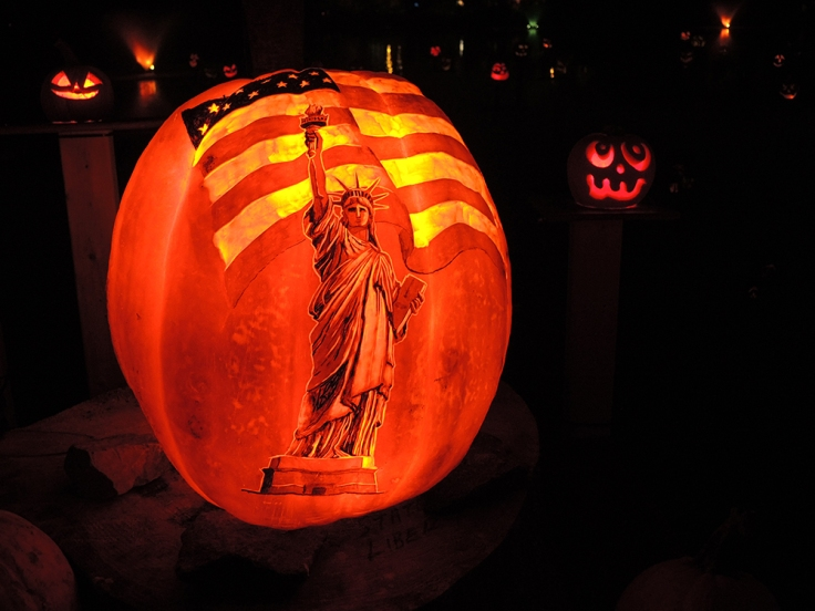 Statue of Liberty - Jack-o-lantern Spectacular Roger Williams Park Zoo