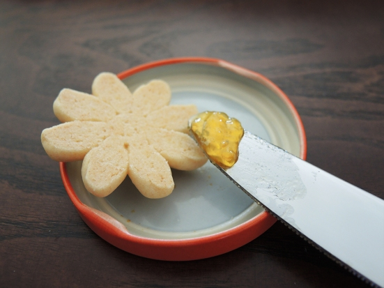 Man Fuel Food Blog - Butter Cookie Assembly Using Jelly