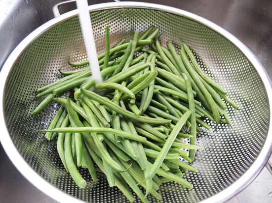 Man Fuel Food Blog - Washing Green Beans
