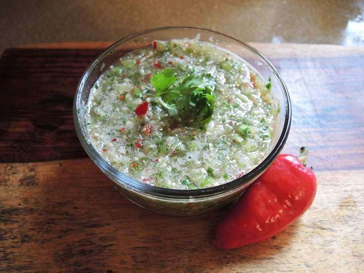 Man Fuel - food blog - Raw Tomatillo Salsa