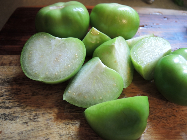 Man Fuel - food blog - Sliced Tomatillos