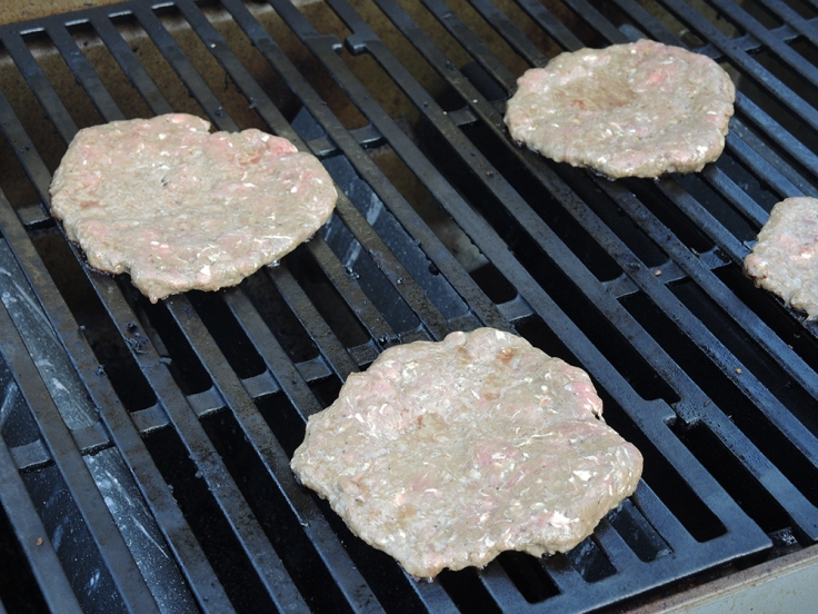 Man Fuel - a food blog - Grilling the Perfect Quarter Pound Burger