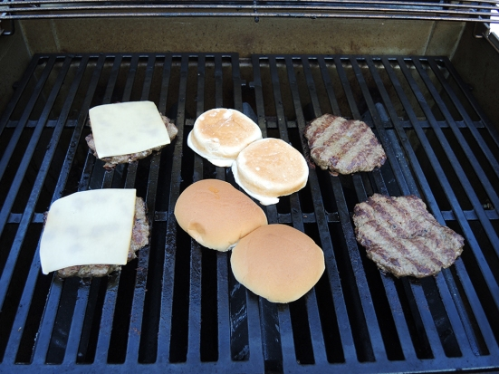 Man Fuel - a food blog - Perfect Grilled Cheeseburgers