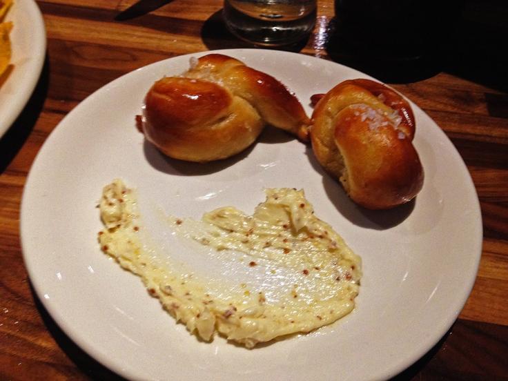 Man Fuel - Food Blog - G Pub - Providence, RI - Pretzel Bites