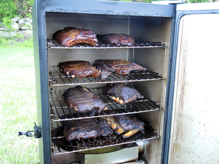 Man Fuel Food Blog - Dead Rooster Co Black Gold Rub Review - Ribs Done in Smoker