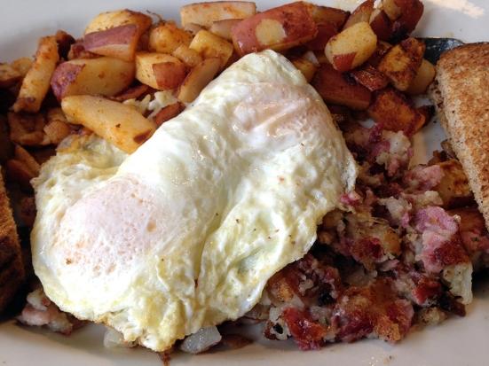 Man Fuel Food Blog - Classic Cafe - Providence, RI - Homemade Corned Beef Hash Closeup
