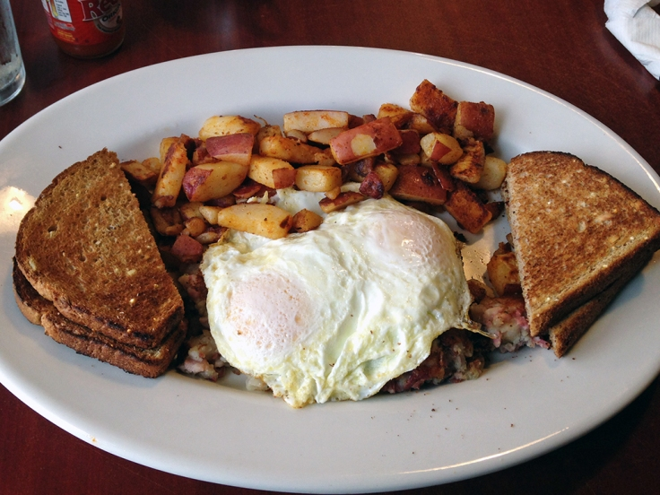Man Fuel Food Blog - Classic Cafe - Providence, RI - Homemade Corned Beef Hash