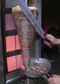 200px-Döner_kebab_slicing