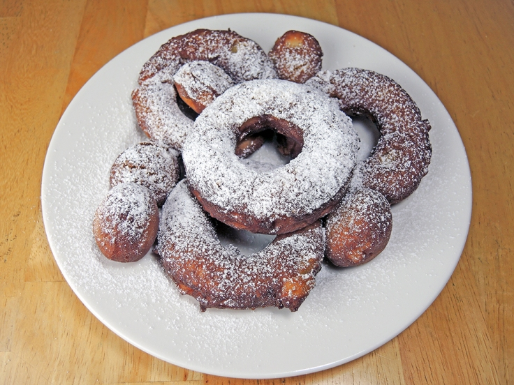 Man Fuel Food Blog - Apple Cider Donuts with powdered sugar