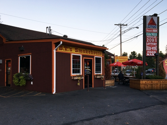 Man Fuel Food Blog - BT's Smokehouse - Strubridge, MA