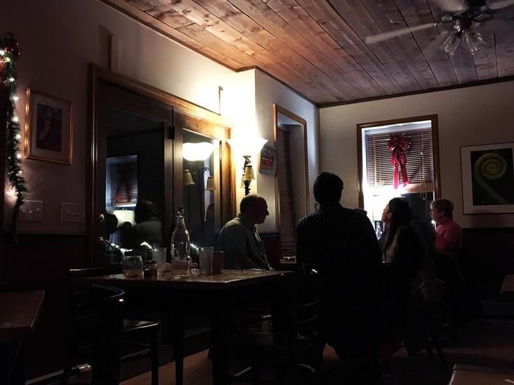 Man Fuel Food Blog - Beehive Cafe - Bristol, RI - Interior