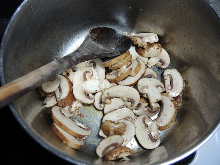 Man Fuel Food Blog - De-glazing with Portobella Mushrooms