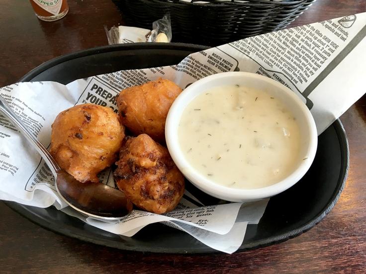 Man Fuel Food Blog - Iggy's Boardwalk - Warwick, RI - Clam Cakes and Chowder