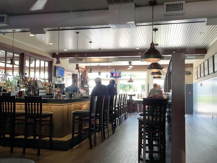 Man Fuel Food Blog - Iggy's Boardwalk - Warwick, RI - Interior