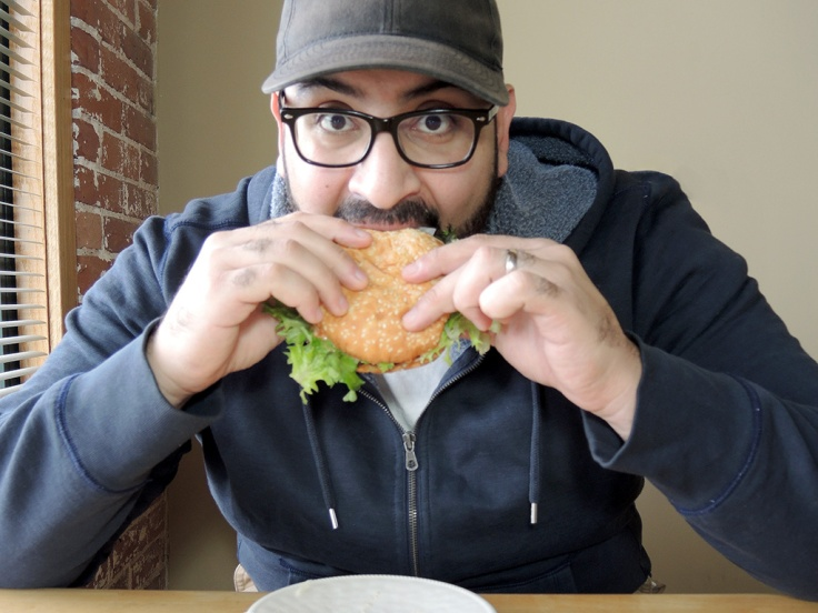 man-fuel-food-blog-eating-big-az-kickin-jalapeno-burger