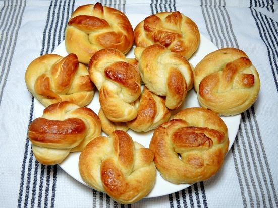 man-fuel-food-blog-homemade-soft-pretzels-recipe