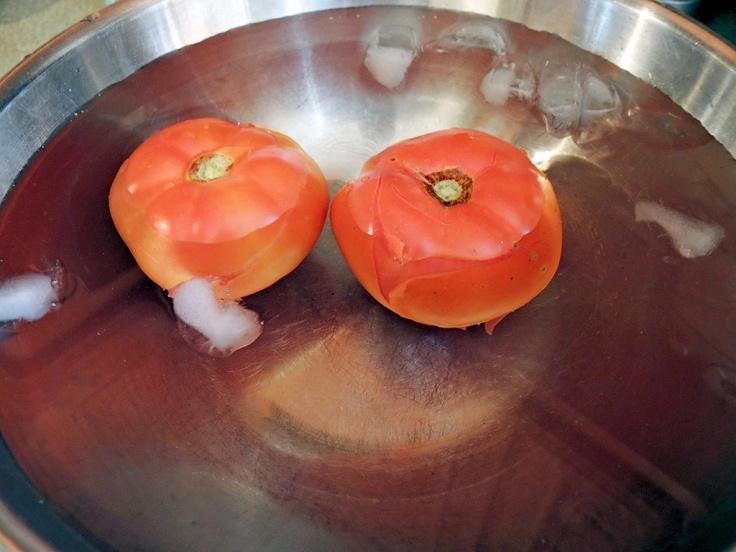 man-fuel-food-blog-homemade-tomato-sauce-recipe-in-ice-bath
