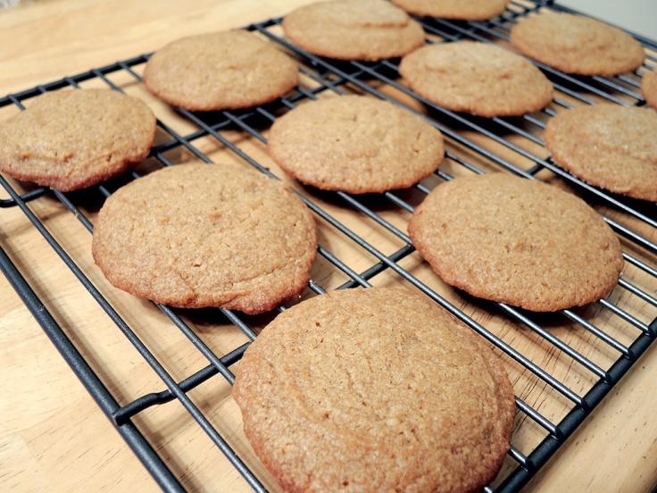 man-fuel-food-blog-pumpkin-spice-cookies-recipe-cooling-rack