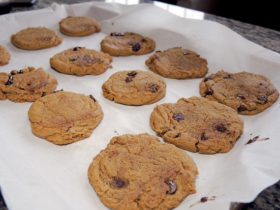 man-fuel-food-blog-pumpkin-spice-cookies-recipe-done-baking