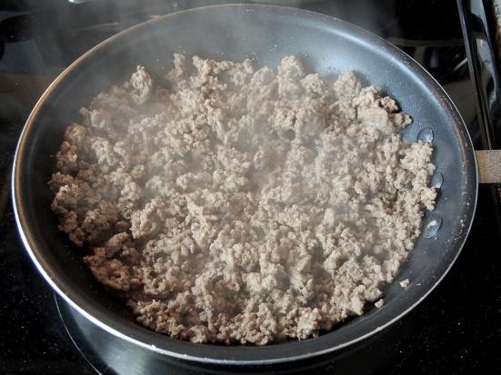 man-fuel-food-blog-macarona-bechamel-recipe-pastitso-ground-beef