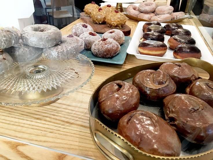 man-fuel-food-blog-knead-doughnuts-providence-ri-counter