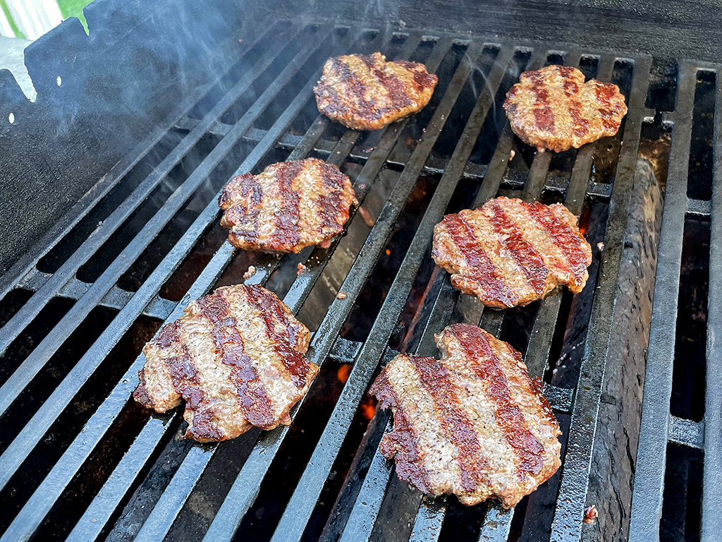 Home Is A Kitchen - Crowd Cow Review - Grilled Wagyu Burgers